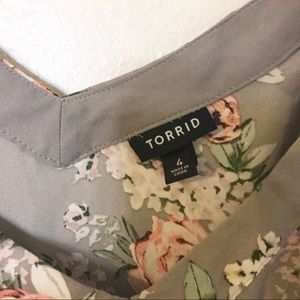 torrid Tops - Torrid Gray Floral Tank Blouse Size 4